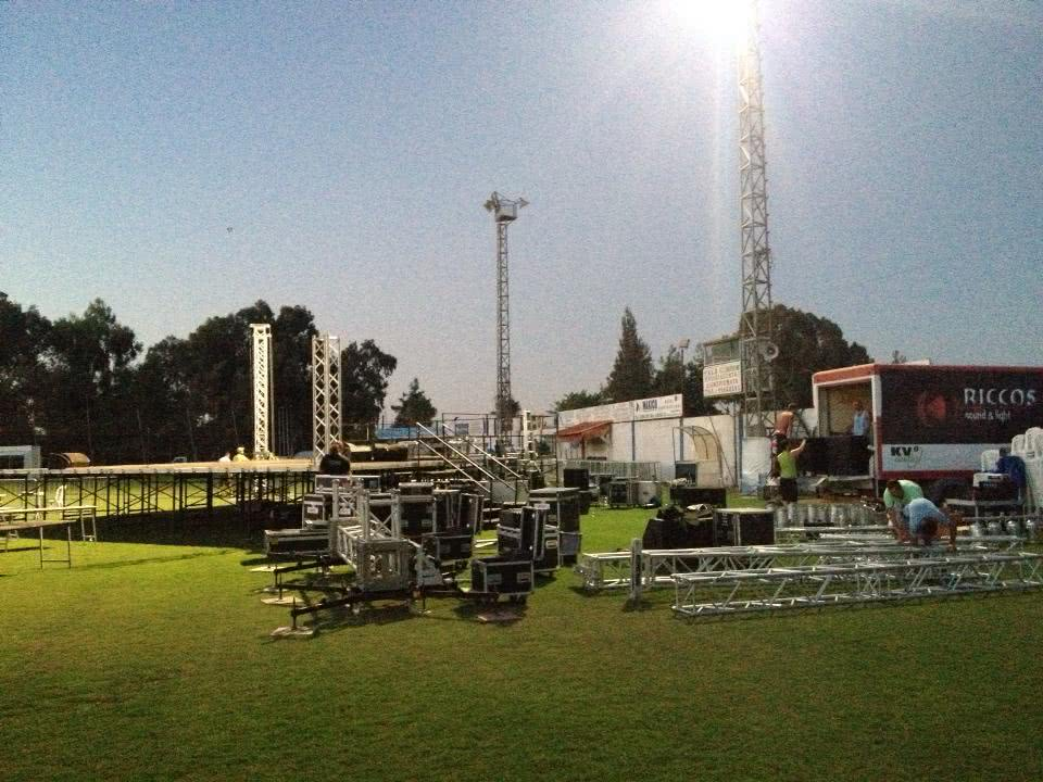 Riccos Sound and Light - 1239665 10151798468805845 90341361 n